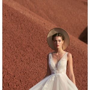 Watters / Willowby -  Lainie ( BHLDN Ricarda)